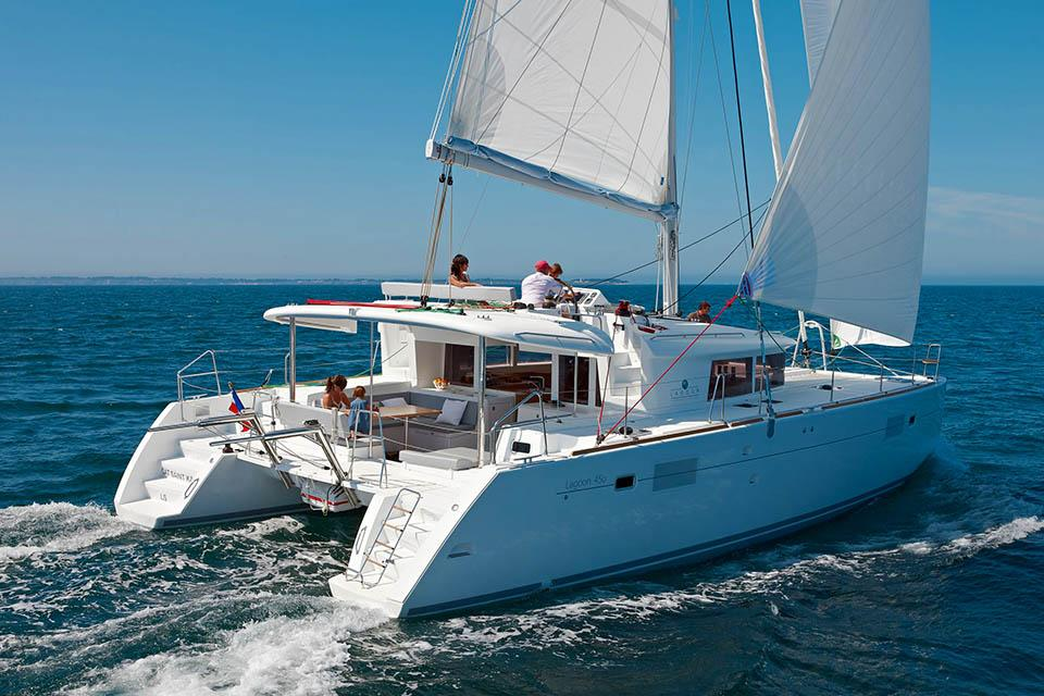 CTS luxury yacht charter greece Lagoon
